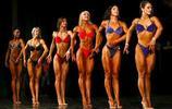 俄羅斯美女穿比基尼大秀肌肉,健美比賽風頭蓋過男性