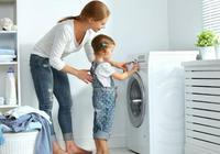 把洗衣機排水管插進塑料瓶裡,解決了家庭中的大難題,簡單又實用