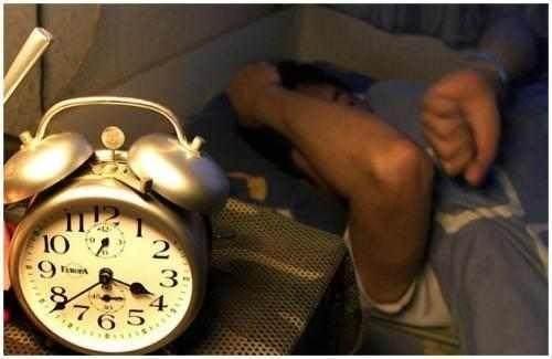 睡覺老在半夜醒來?醫生:很遺憾,你患上了這種病,不重視就完了