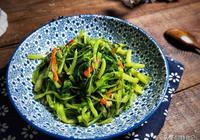 """廣東人最愛的""""腐乳空心菜"""",這樣炒鮮亮翠綠,不發黑,好吃到爆"""