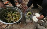 直擊:一組農民工吃飯照片,農村父母看了就心酸