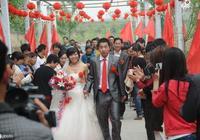 繼天價彩禮娶妻難之後,農村結婚又出了新的么蛾子?老農:愁死了