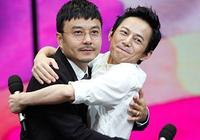 汪涵和何炅,兩大主持身後的背景差,為什麼何老師粉絲受眾更多?