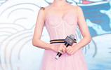 穿粉絲連衣裙最美的是袁姍姍,從容大氣自然美,她怎麼就突然不火了?