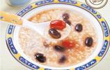 黑豆含有豐富的維生素,多吃黑豆,皮膚更白嫩