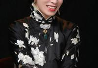 佘詩曼再演於正新劇,穿旗袍梳齊劉海優雅減齡,44歲美成少女模樣