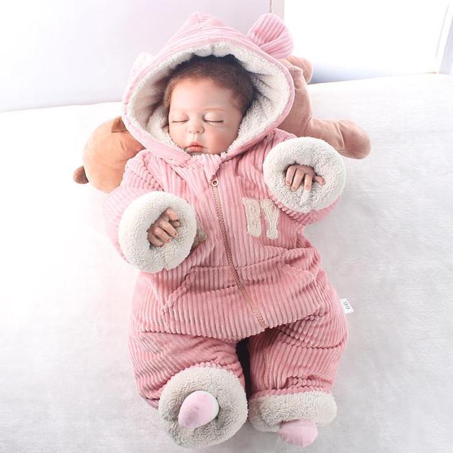 """最近被一""""寶寶服""""萌到了!可愛又保暖,讓孩子數九寒冬不生病"""