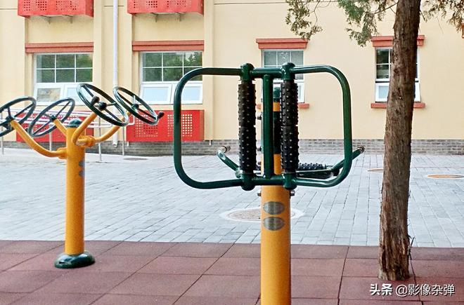 """探訪北京社區""""養老院"""":條件優越,看完價格80後坦言""""老不起"""""""