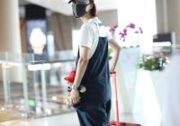 王珞丹35歲了又如何?穿揹帶褲配帆布鞋清新又減齡,盡顯少女氣質