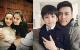 41歲靳東全家生活近照,影后妻子素顏美豔水嫩,現帶兒子漸隱退