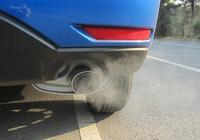 """汽車""""一根排氣管""""與""""兩根排氣管""""有啥不同?看完分析,想換車"""