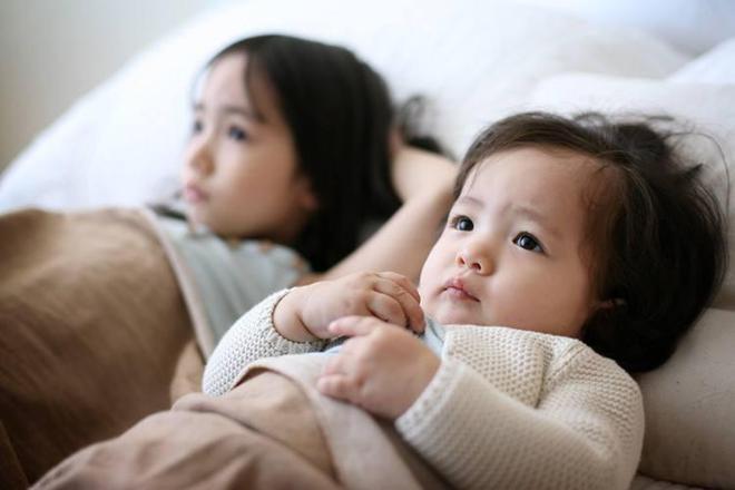 3個月寶寶偏頭了,王阿姨只有一個小妙招,就幫寶寶糾正了,實用