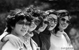 老照片還原八十年代的中國女性時尚風格,有些打扮今天也不過時