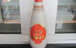 """中國有10種""""尷尬""""白酒,窮人看不上,富人成箱買,好喝不上頭"""