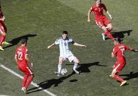 怎麼防守梅西?梅西拿球時,他面對的局面往往是這樣的