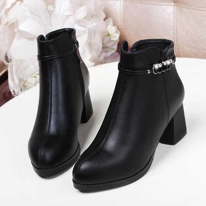"""""""媽媽靴""""終於上新了,保暖抗寒不累腳,手一抖買3雙"""