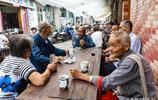 農村老漢喝茶成了網紅,全國各地攝影師追拍過來,不用下地幹活了