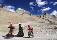 岡仁波齊峰在藏族文化中有什麼特殊的意義?