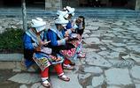 阿壩茂縣:做手工活的羌族婦女