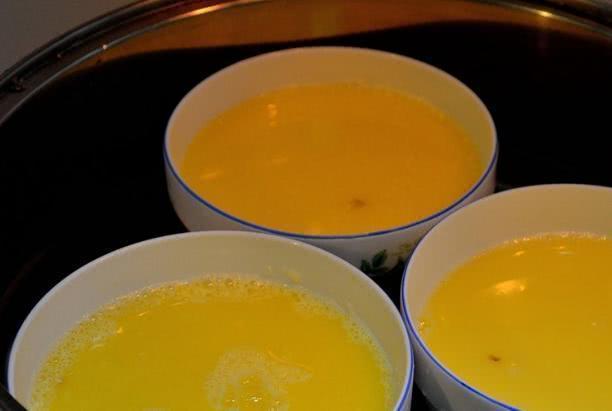 把雞蛋蒸出果凍般嫩滑,別再用水了,這樣做更營養,孩子超喜歡