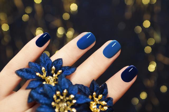 今年你絕不能錯過的馬尾海藻藍