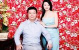 """鳳凰衛視當家主持人,嫁億萬富豪,第一位被""""亞洲週刊""""採訪的人"""