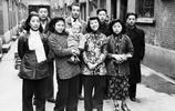 鏡頭下:上世紀四十年代的上海,友情親情和笑臉