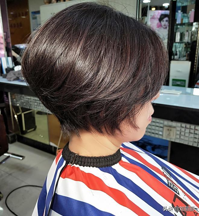 """讓中年女性年輕10歲的""""蓬鬆短髮"""",喜歡你就剪一款,心情美美噠"""