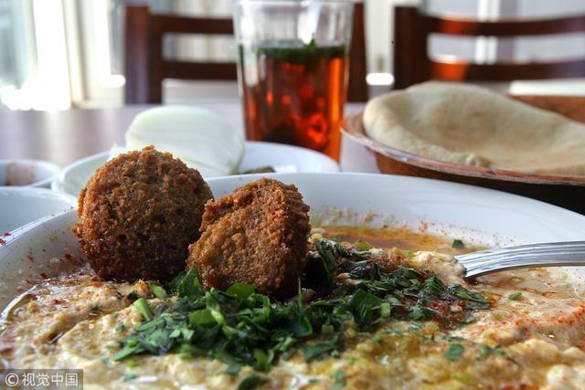 """以色列""""蓋澆飯""""像鍋大雜燴?愛吃的人覺得好吃到飛起"""