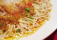 天熱胃口不好?教你做金針菇涼拌粉絲,清涼開胃,做法超簡單