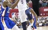 籃球——NBA夏季聯賽:鵜鶘勝尼克斯