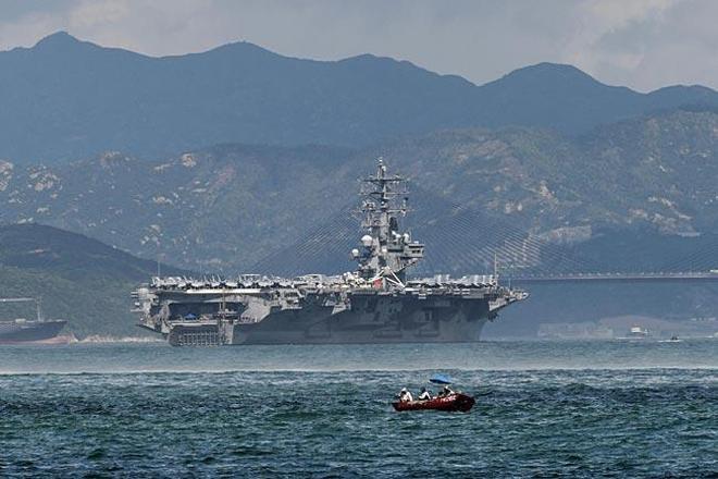 正在西太平洋活動的CVN-76羅納德·里根號航母圖集
