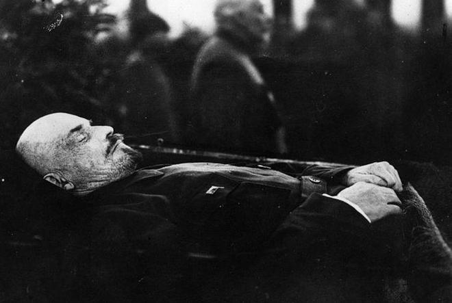 """鏡頭下實拍:各國領導人的""""葬禮"""",眾人送行,莊嚴肅穆!"""