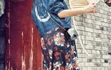 35歲朱丹近照,挺孕肚搖著蒲扇一臉幸福,網友:她笑得好開心