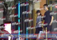 50歲陳紅近照身材好纖細,與19歲兒子同框畫面太溫馨