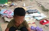 農村5歲孩子流浪住橋洞,希望長大了能找到媽媽,心酸