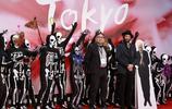趙薇紅裙驚豔亮相東京電影節開幕,並且是電影節唯一女評委