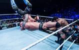 蘭迪雪恨!WWE英國巡迴,阿三再戰蘭迪,毒蛇再次衛冕
