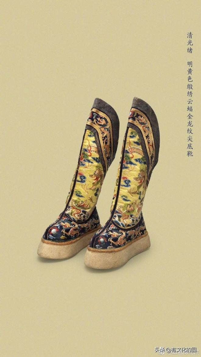 """皇帝的""""高跟鞋"""",鬆糕底雪地靴,潮爆了!乾隆對身高不自信嗎?"""