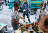 中國遊客現場實拍印度路邊小吃攤,簡直不忍直視,你敢吃吃看嗎?