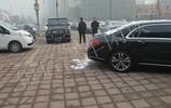 北京小夥開奔馳G63提車奔馳邁巴赫S400,兩車價值400萬