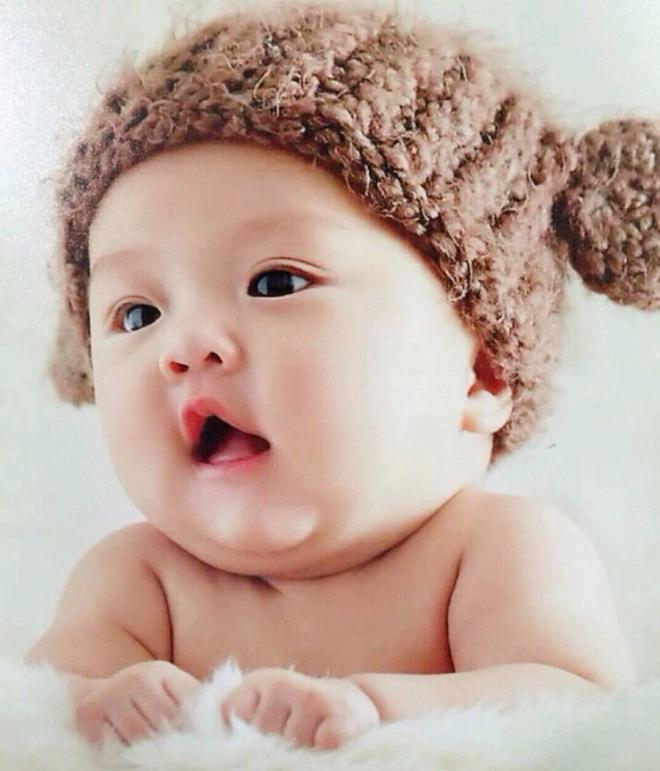 見證甜馨的成長,甜馨從小到大的照片!