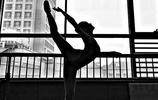 畢業於北京體育大學,民族舞蹈專業,身高164cm,體重46kg