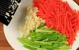 腐竹裡面打2個雞蛋,夏季必做的拿手菜,太有創意了