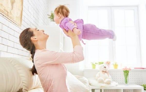 養娃第一年要花多少錢?四位寶媽晒出真實開銷,全都超過這個數