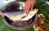 酸菜鰱魚湯這樣做,酸辣爽口,湯味鮮美,一條魚不夠吃