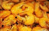 青島金沙灘海水浴場邊深藏一家自助餐廳 大蝦螃蟹羊腿烤鴨刺身隨便吃 價位每人108元
