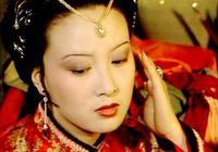 紅樓夢:王熙鳳落魄時,為何只有她沒有落井下石?