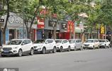 河南一地現怪象:停車位只減不增,一條路每天違停數百輛車