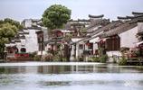 這座2000多年曆史的江南古鎮,小橋流水景色迷人,而且還免門票